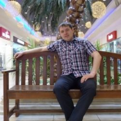 Двадцатилетний парень ищет девушку или женщину для секса без обязательств, в Москве.