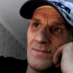 Парень хочет найти девушку в Москве