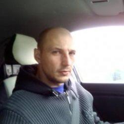 Красивый парень из Москвы, ищу девушку для отношений и секса