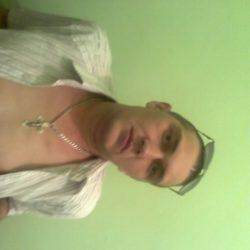 Молодой, красивый парень ищет девушку для интима в Москве