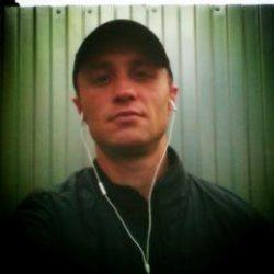 Мужчина, ищу самца или sissy в Москве. Без коммерции.