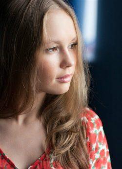 Роковая красотка с фигурой. Юна, стройна, без вредных привычек! Ищу мужчину для секса в Москве
