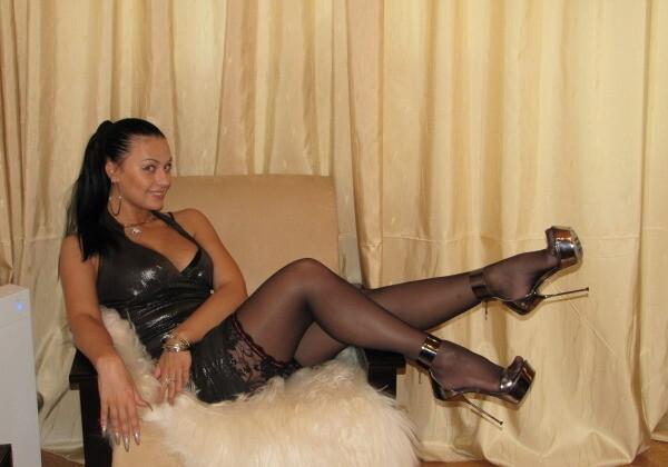 Фото ебли жены на каблуках информация