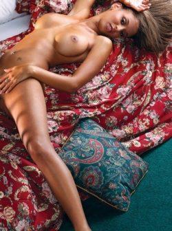 Блондинка, ищу мужчину в Москве