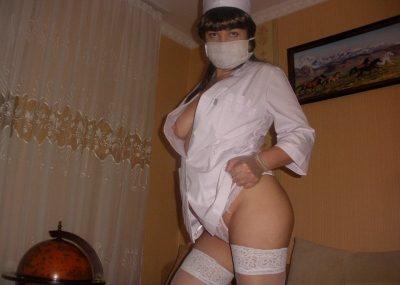 Милая студенточка пригласит в гости мужчину в Москве