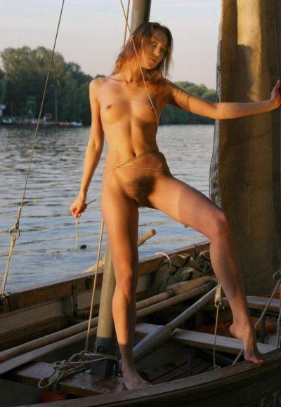 Расслаблю тебя своим ротиком и не только! Девушка ищет мужчину в Москве