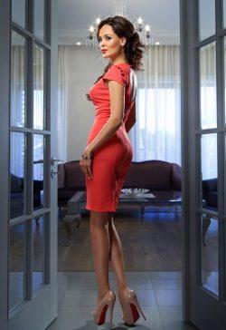 Девушка из Москвы. Ищу девушку для секса без обязательств