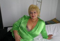 Развратная и пошлая киса хочет жесткого секса с мужчиной в Москве
