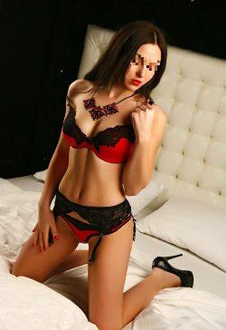 Шаловливая девушка познакомится с мужчиной для страстного секса в Москве