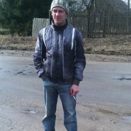 Молодой парень, ищу девушку для секса без обязательств в Москве