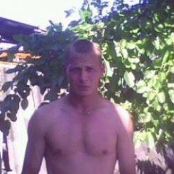 Симатичный парень ищет молодую девушку в Москве, для секса на один два раза.