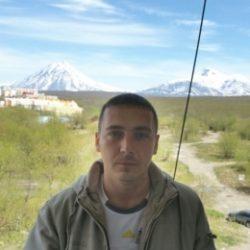 Парень, ищу девушку в Москве для секса и может отношений